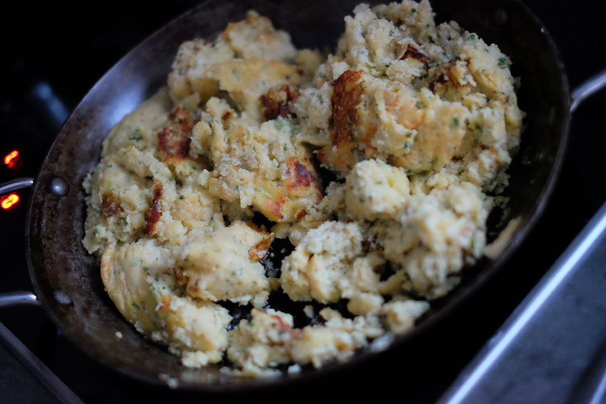 Sauerbraten mit Kartoffelschmarrn und Rahm-Spitzkraut